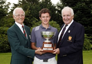 John-Ross Galbraith (Whitehead) wins the 2014 Ulster Youths Championship at Balmoral Golf Club. Pictured with Balmoral Captain and GUI Ulster Branch Chairman Peter Sinclair. Image Credit David Ross/Ulster Golf.