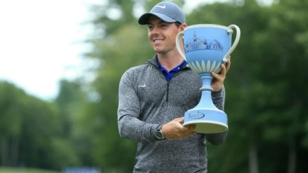 Rory McIlroy celebrates Deutsche Bank Championship success